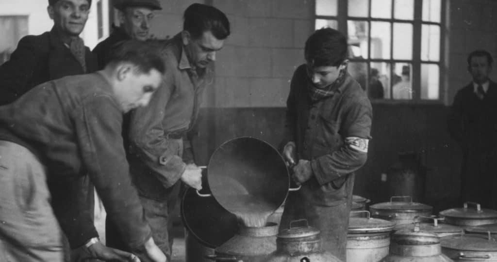 Distribution de la soupe à Anvers par le Secours d'Hiver ©CegeSoma